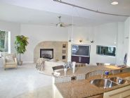 Modern design in Gulf Breeze by Acorn Fine Homes - Thumb Pic 4