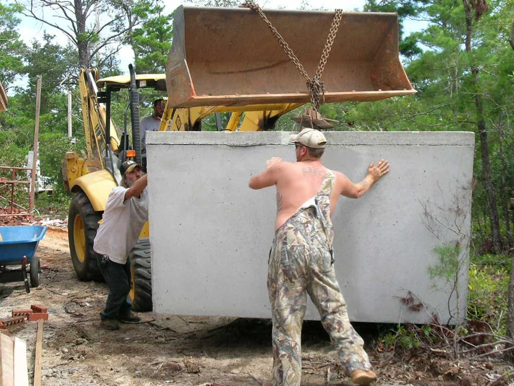 setting septic tank in Navarre