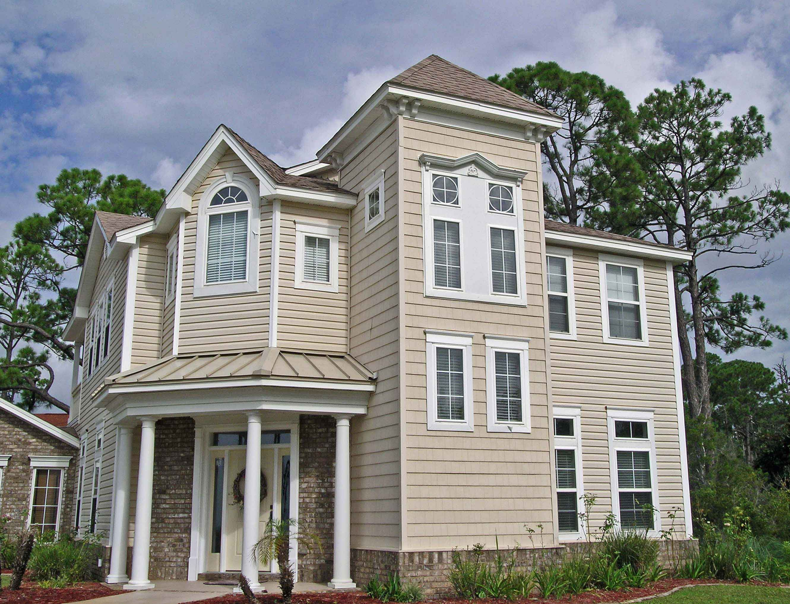 Craftsman style custom home by Acorn Fine Homes in Gulf Breeze
